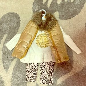 Three-piece vest outfit for baby
